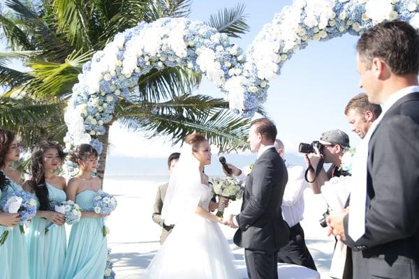 Cận cảnh đám cưới xa hoa của cô dâu Ninh Bình và tỷ phú Canada 2