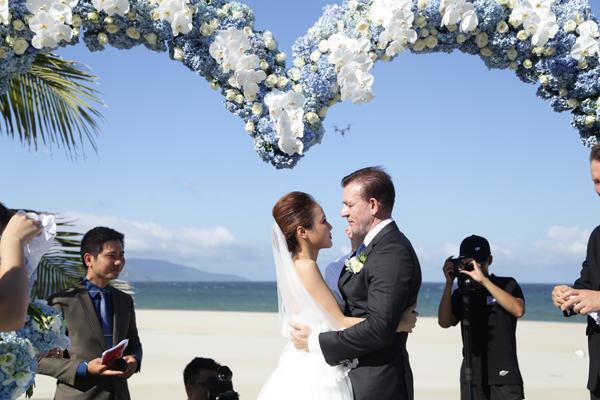 Cận cảnh đám cưới xa hoa của cô dâu Ninh Bình và tỷ phú Canada 3