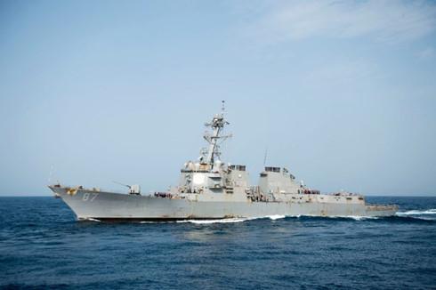Mỹ cảnh báo đáp trả vụ tàu khu trục suýt trúng tên lửa 1
