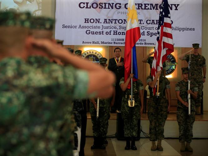 Tòa án tối cao Philippines hối thúc nối lại tuần tra Biển Đông với Mỹ 1