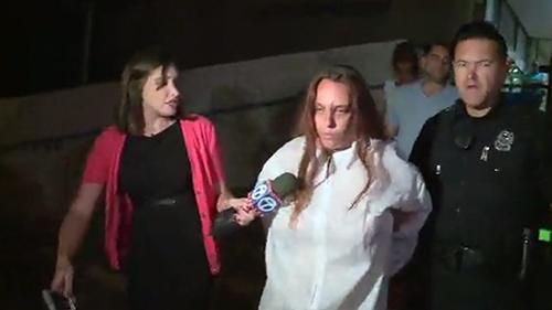 Mẹ dửng dưng nhìn con gái bị cưỡng hiếp và sát hại 1