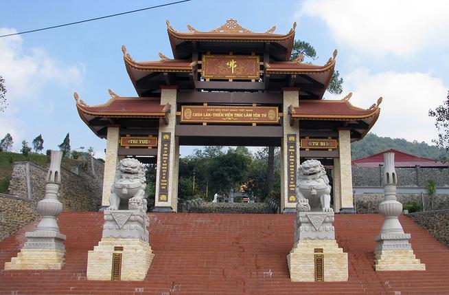 Muốn hiến thân, người đàn ông tự thiêu ở Thiền viện Trúc lâm Yên Tử 1