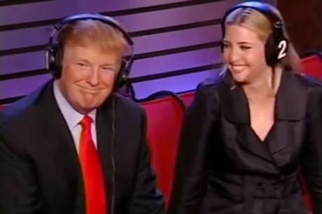 """Donald Trump gật gù đồng ý khi bị gọi là """"kẻ xơi tái phụ nữ"""""""