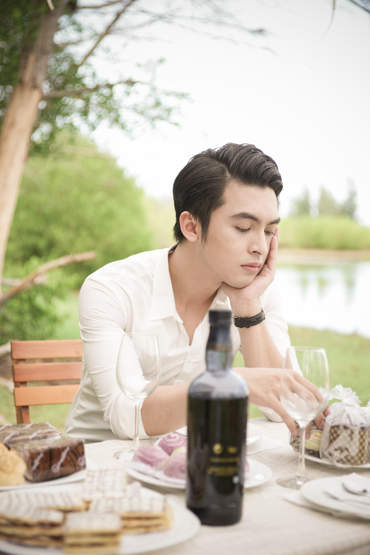 Cận cảnh nhan sắc mỹ nam cực điển trai khiến Chi Pu mê mẩn 2