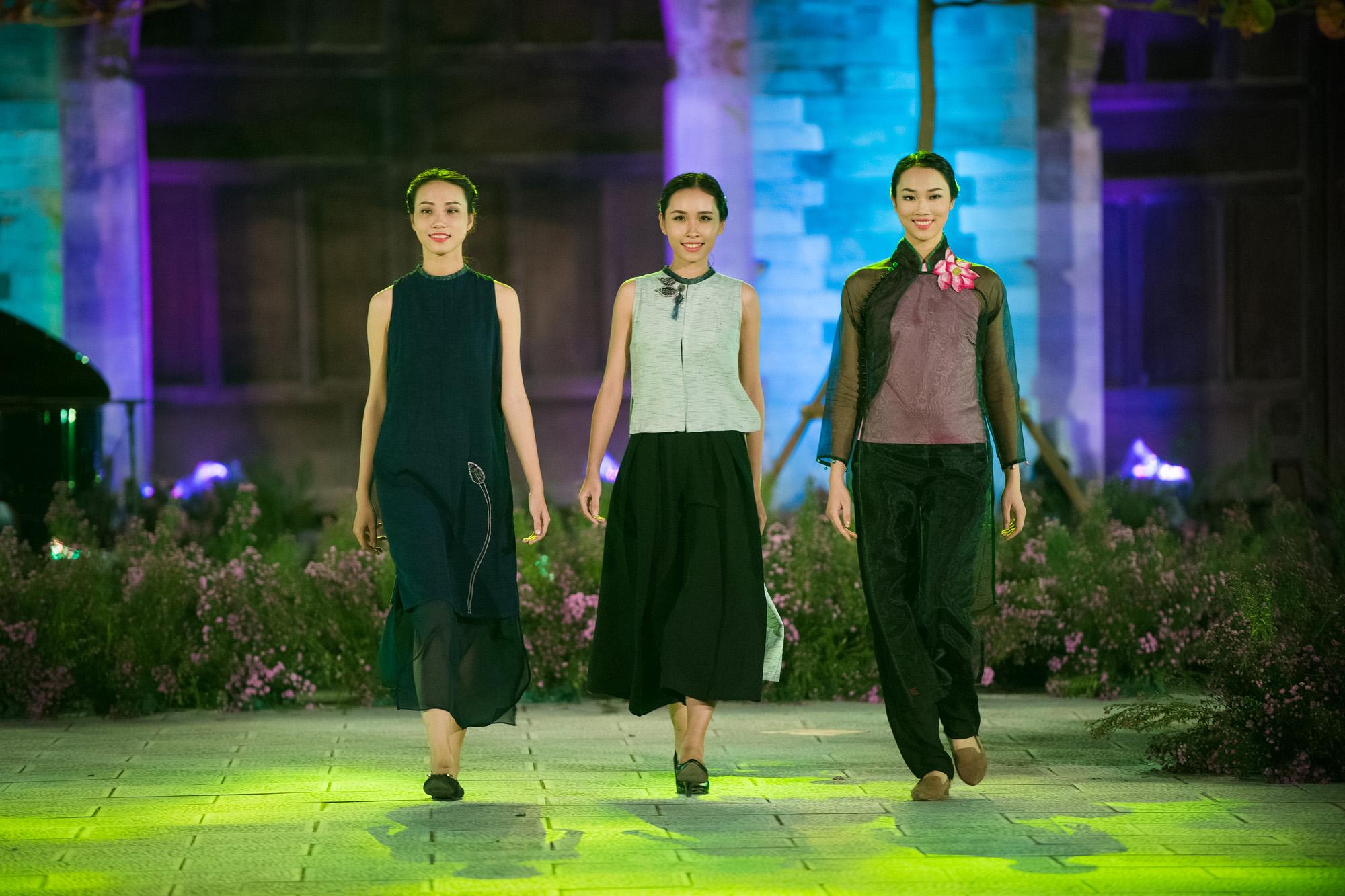 Hàng trăm mẫu áo dài được trình diễn trong Festival Áo dài Hà Nội 2016 2
