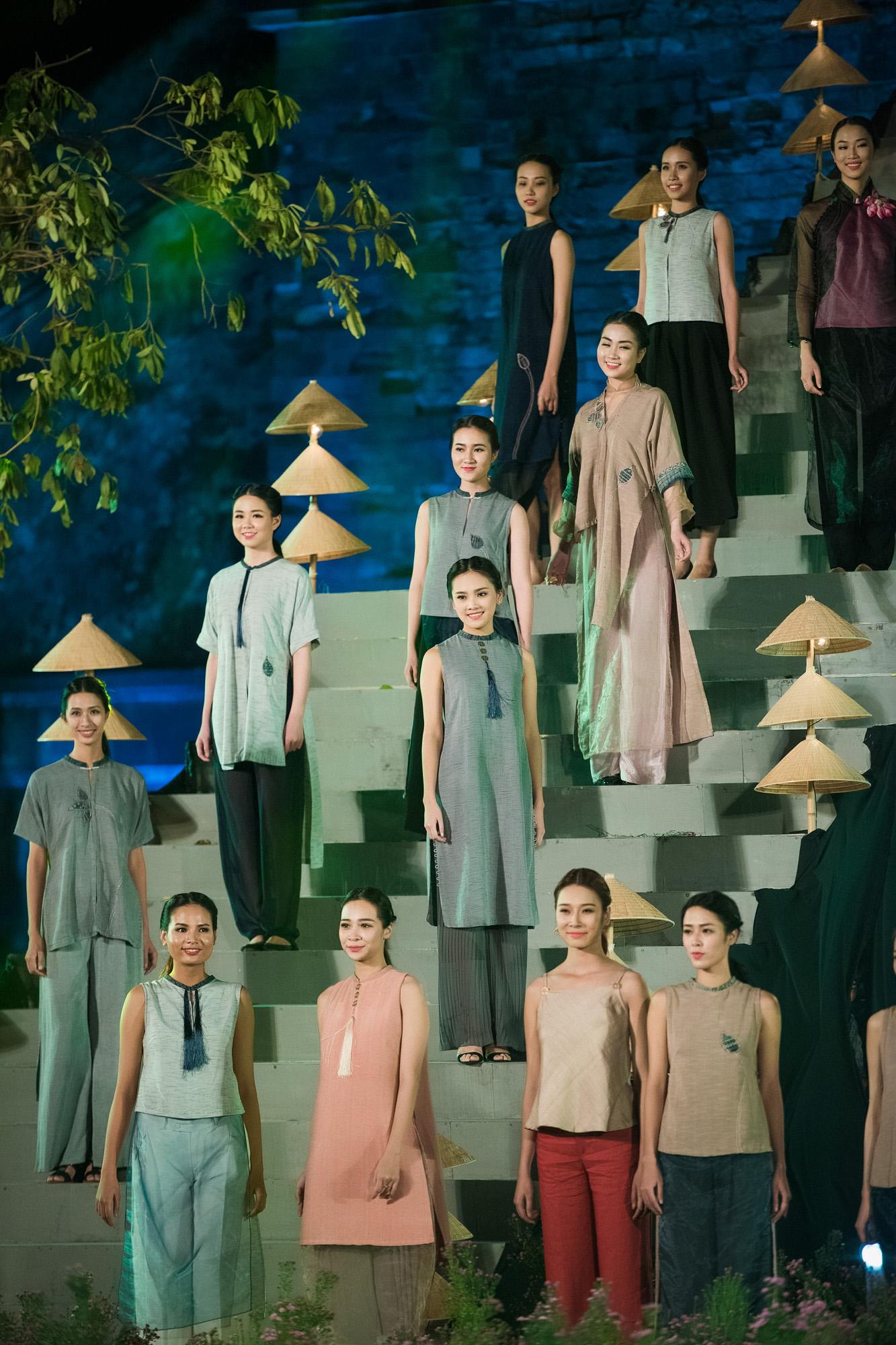 Hàng trăm mẫu áo dài được trình diễn trong Festival Áo dài Hà Nội 2016 4