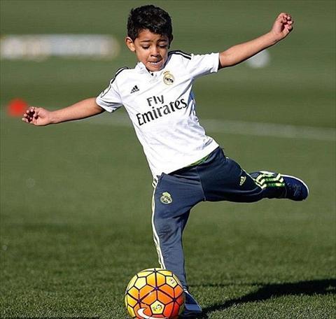 Hình ảnh Con trai Ronaldo ghi bàn trong trận ra mắt CLB mới số 1