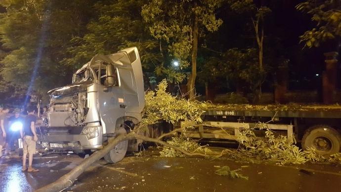 Tin TNGT mới nhất ngày 19/10: Xe tải vượt đèn đỏ, đâm chết người, bỏ chạy 1