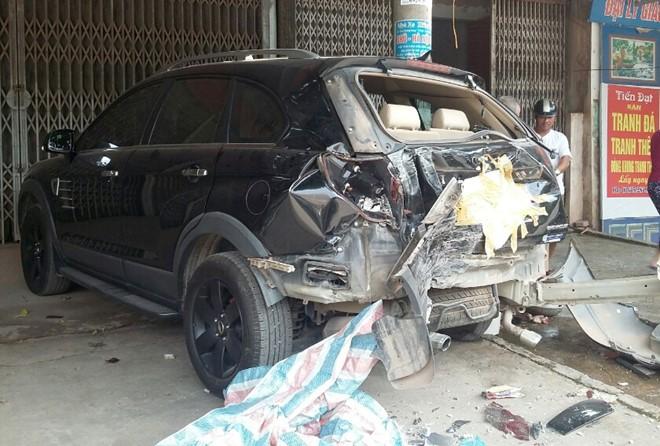 Bé trai 13 tuổi điều khiển xe khách gây tai nạn liên hoàn 2