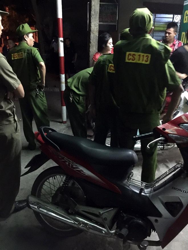 Hà Nội: Điều tra vụ nổ súng xuyên thủng cửa kính hiệu cầm đồ trong đêm 1