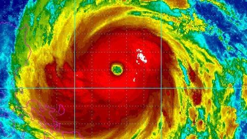 Siêu bão Haima giật trên cấp 17 tiến sát Biển Đông 1