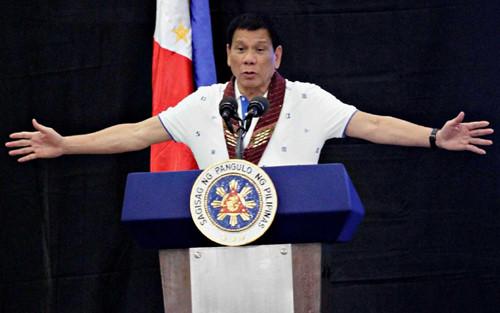 Duterte: Nếu 'chia tay' Mỹ, người Philippines tại Mỹ sẽ giết tôi 1