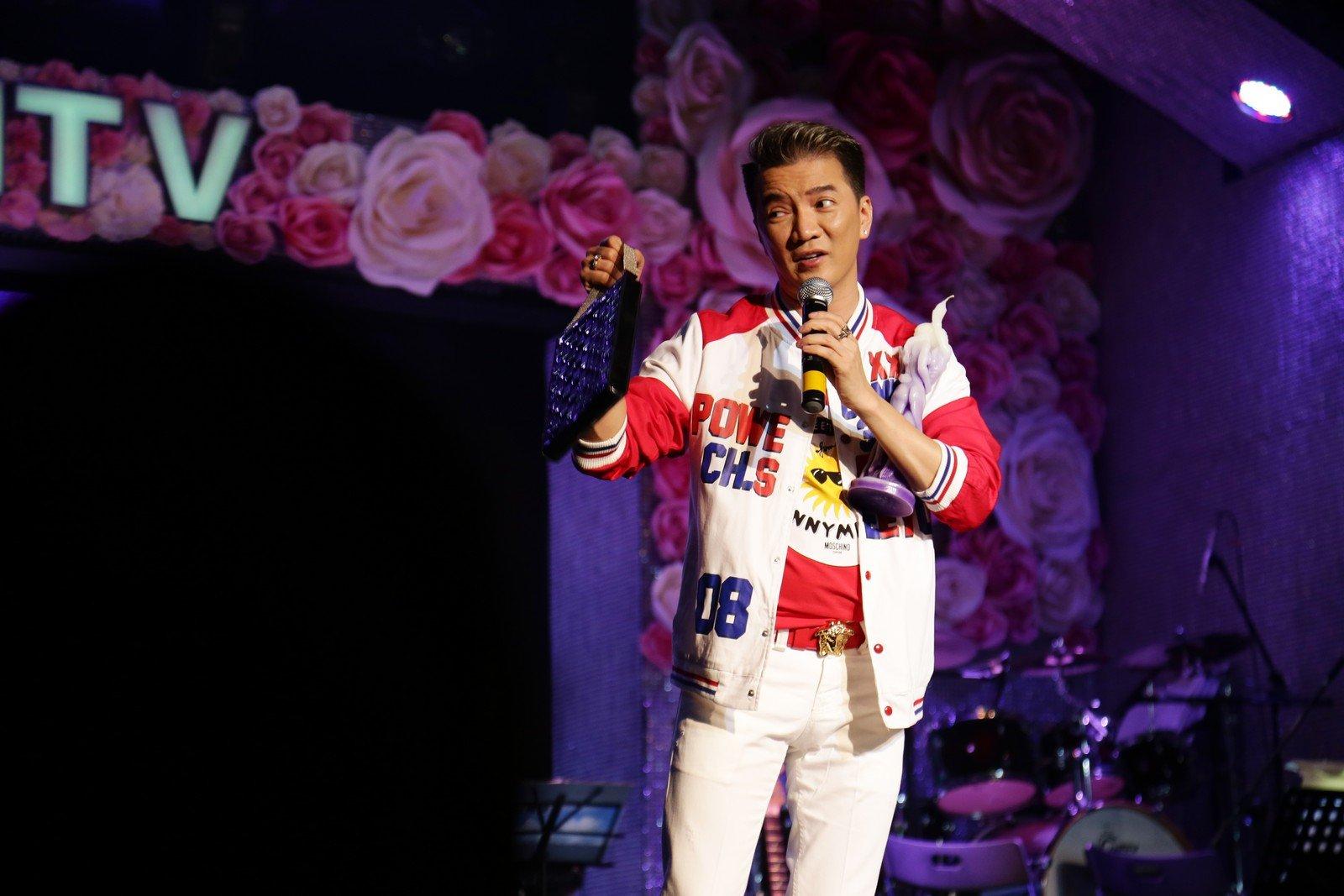 """Mr Đàm quyên góp được 739 triệu đồng trong đêm nhạc """"Trái Tim Miền Trung"""" 3"""