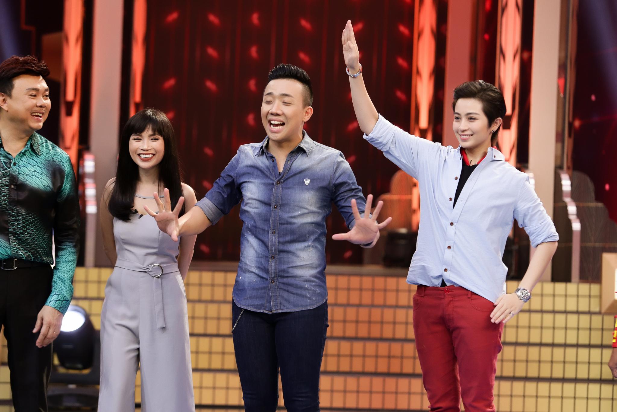 """Giải trí - Gil Lê """"song tấu hợp bích"""" với nghệ sĩ Chí Tài, """"phá đảo"""" sân khấu"""