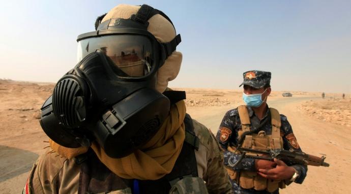 IS đốt nhà máy hóa chất, hàng trăm người nhập viện 2
