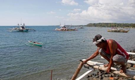 Ngư dân Philippines sắp trở lại Scarborough sau chuyến thăm Trung Quốc của Duterte 1