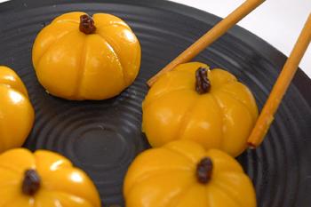 Ẩm thực ngày lễ Halloween: Cách làm bánh Mochi bí đỏ độc đáo ngon lành 7
