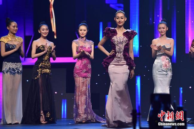 Nhan sắc Tân Hoa hậu Hoàn cầu Trung Quốc gây tranh cãi 7
