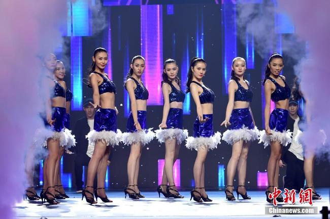 Nhan sắc Tân Hoa hậu Hoàn cầu Trung Quốc gây tranh cãi 8