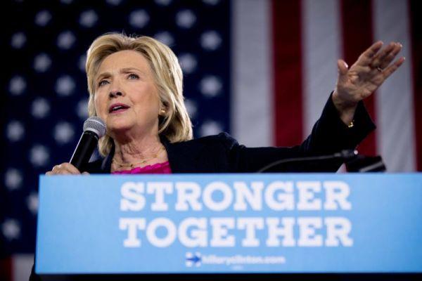 Từ Trump đến Clinton: Hai tuần trước bầu cử và cuộc đua khốc liệt đến tiêu cực 4