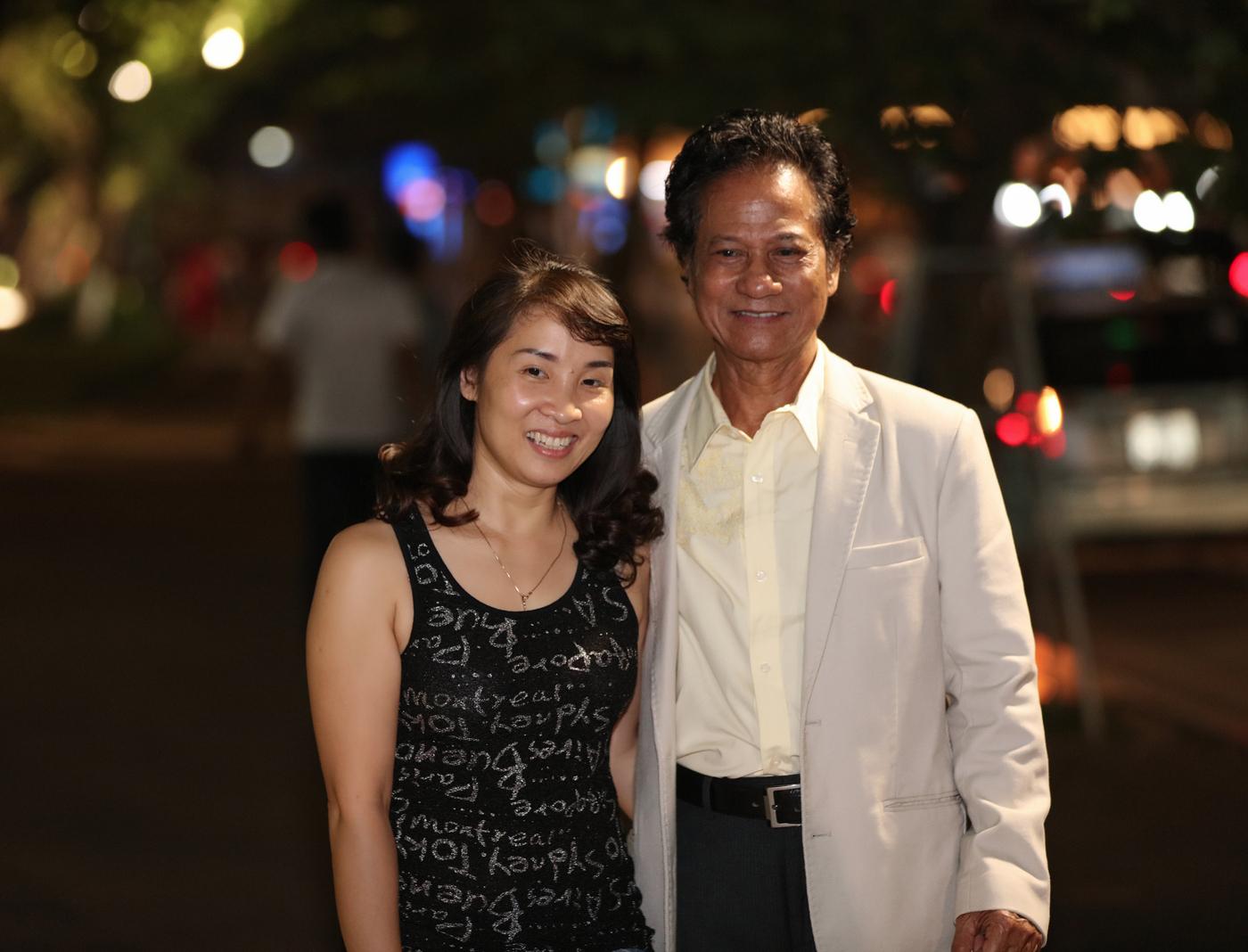75 tuổi, Chế Linh vẫn hấp dẫn, khiến fans nữ