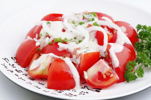 Cách làm đẹp bằng cà chua chuẩn nhất bạn gái nên biết 5