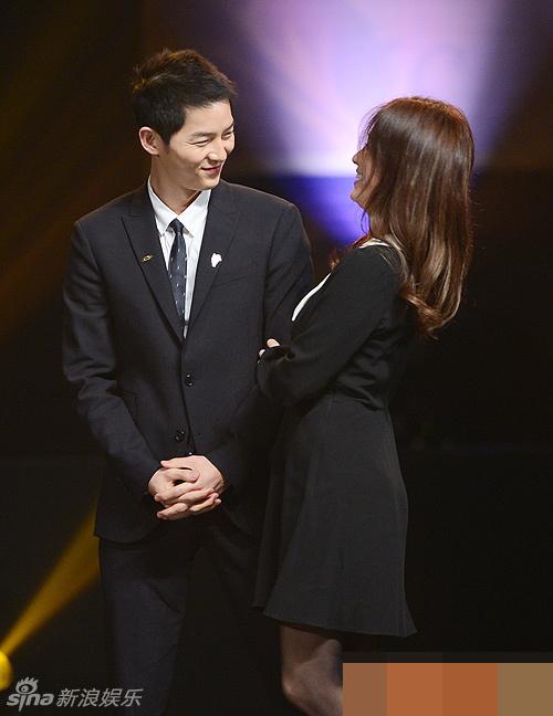 Song Hye Kyo – Song Joong Ki giành giải thưởng lớn tại Hàn Quốc 4