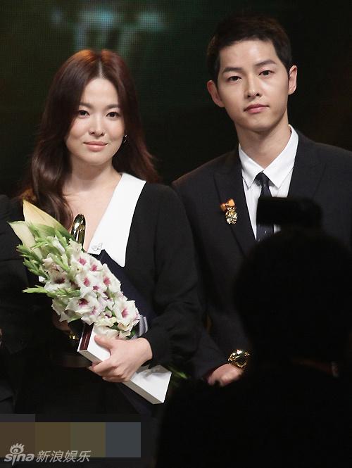 Song Hye Kyo – Song Joong Ki giành giải thưởng lớn tại Hàn Quốc 7