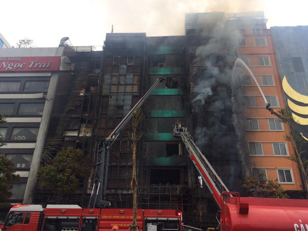 Cháy lớn 13 người chết: Quán chưa có giấy phép kinh doanh karaoke 1