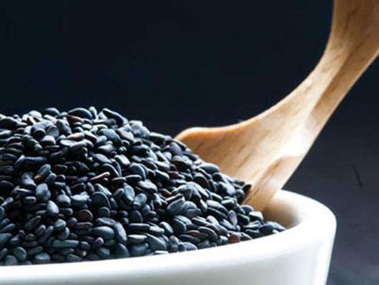 Tự làm dầu mè vừng đen thơm ngọt, bổ dưỡng tại nhà 2
