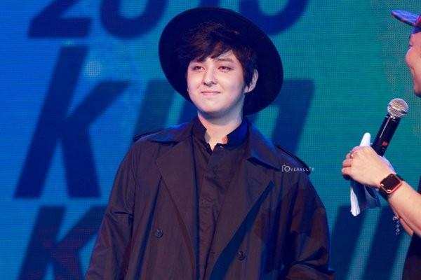 Cựu thành viên Super Junior lộ nhan sắc
