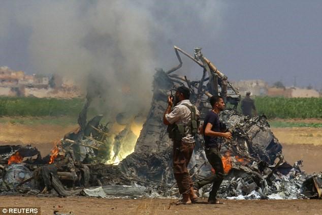 Trực thăng Nga lại bị bắn hạ ở Syria, phi hành đoàn thoát nạn 1
