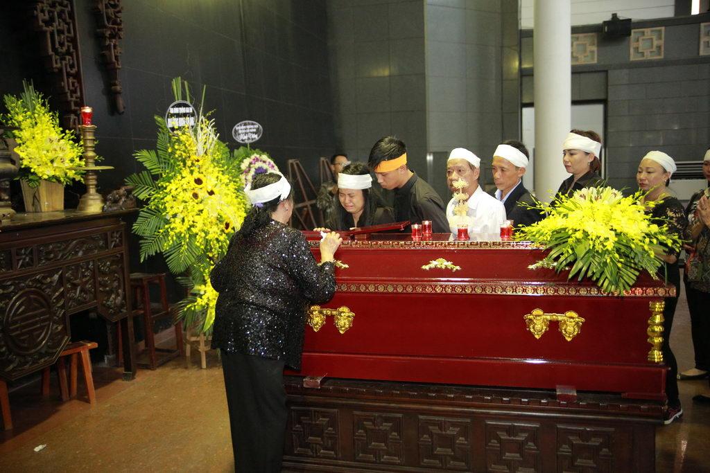 Lễ tang NSƯT Phạm Bằng: Con cháu, đồng nghiệp khóc nghẹn bên linh cữu 23