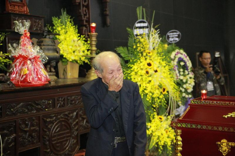 Lễ tang NSƯT Phạm Bằng: Con cháu, đồng nghiệp khóc nghẹn bên linh cữu 19