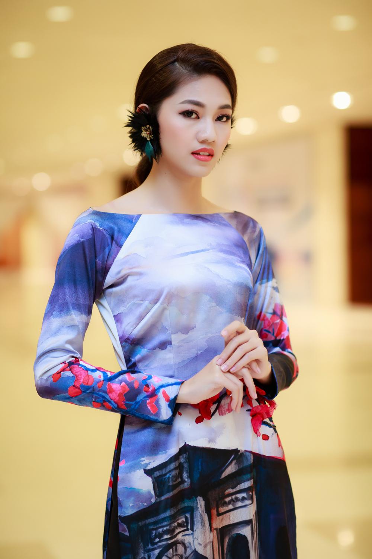 Hoa hậu Mỹ Linh, Á hậu Thanh Tú hoá Tấm - Cám trên thảm đỏ thời trang 10