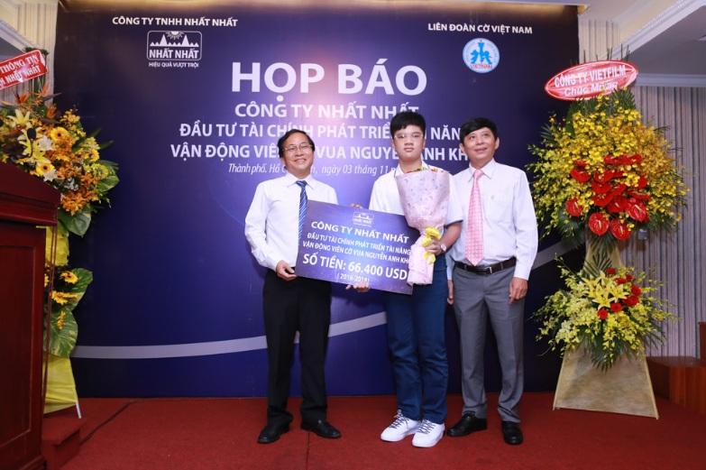 Dược phẩm Nhất Nhất đầu tư gần 1,5 tỷ đồng cho kỳ thủ cờ vua Nguyễn Anh Khôi 1