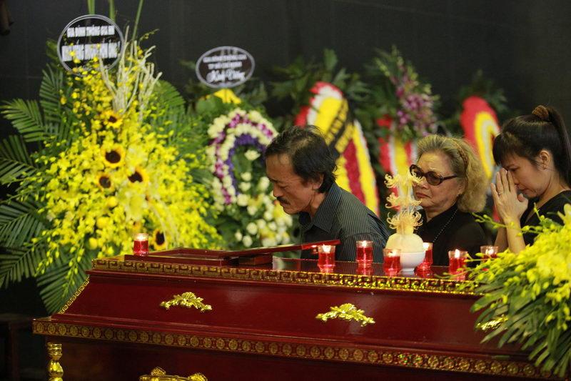 Lễ tang NSƯT Phạm Bằng: Con cháu, đồng nghiệp khóc nghẹn bên linh cữu 10