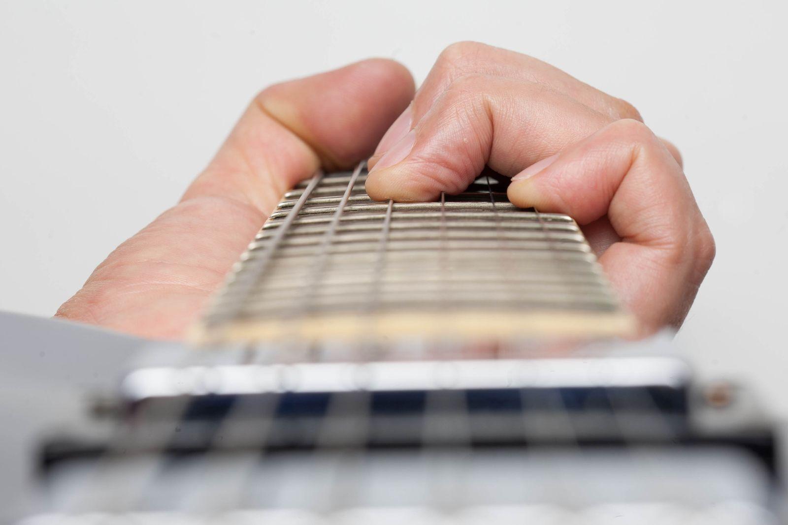5 mẹo học đàn guitar cho người mới nhập môn 3