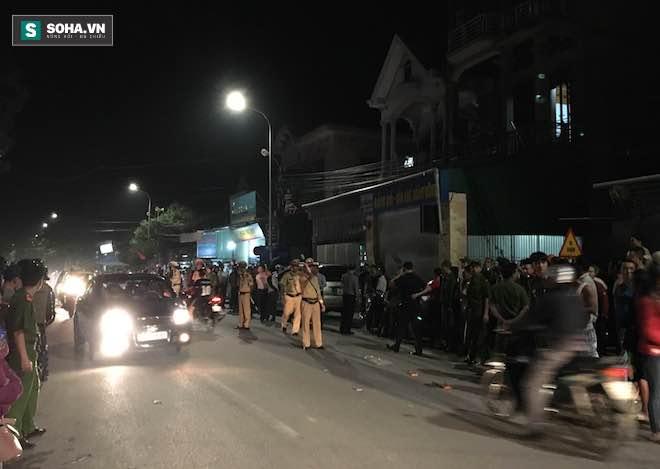 Hiện trường vụ hàng trăm cảnh sát dùng xe cẩu đột kích sới bạc