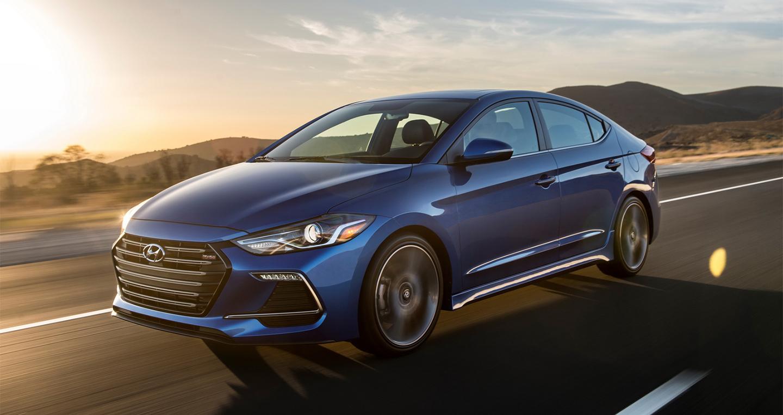 Hyundai Elantra Sport 2017 có giá từ 22.485 USD 1