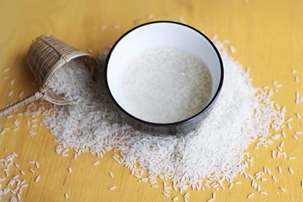 Hình ảnh 8 lợi ích tuyệt vời ít biết của nước vo gạo số 1