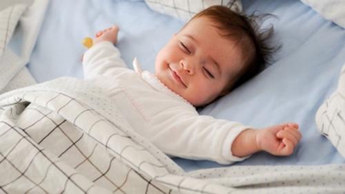 3 mẹo chữa ho ban đêm cho bé giấc ngủ an lành 2