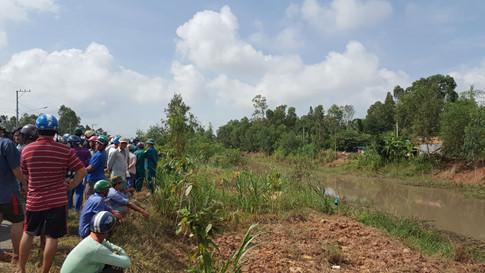 Phát hiện thi thể người đàn ông Campuchia bên bờ kênh 1