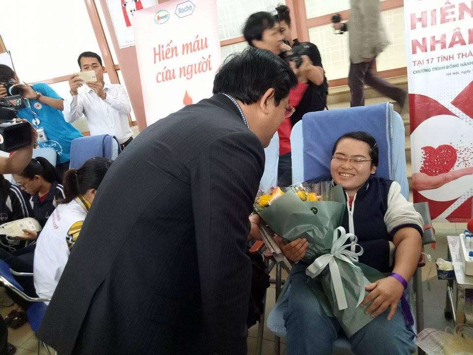 Hiến máu nhân đạo tại 17 tỉnh thành trên cả nước -  Festval trái tim nhân ái 4