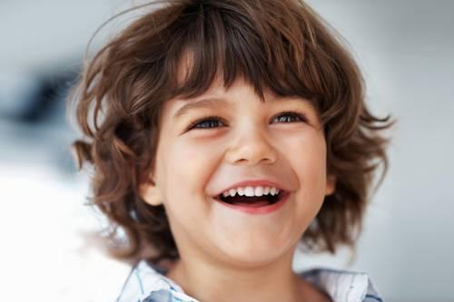 Phụ huynh nên biết cách làm trắng răng cho trẻ em an toàn nhất 1