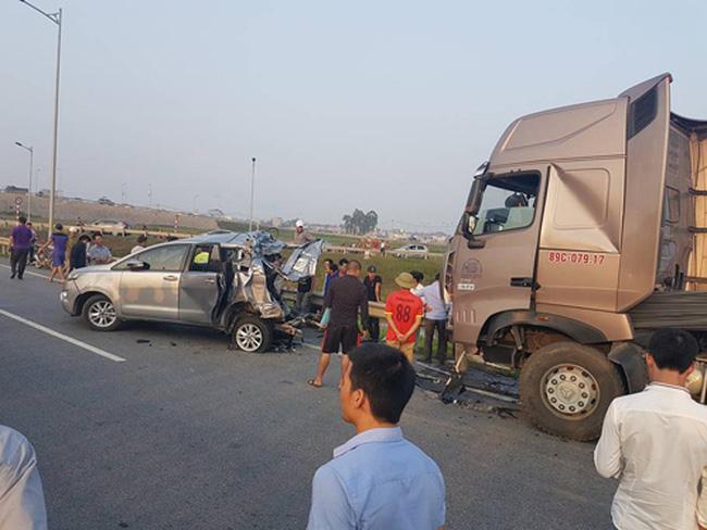 Phó thủ tướng yêu cầu điều tra vụ tai nạn khiến 10 người thương vong 1
