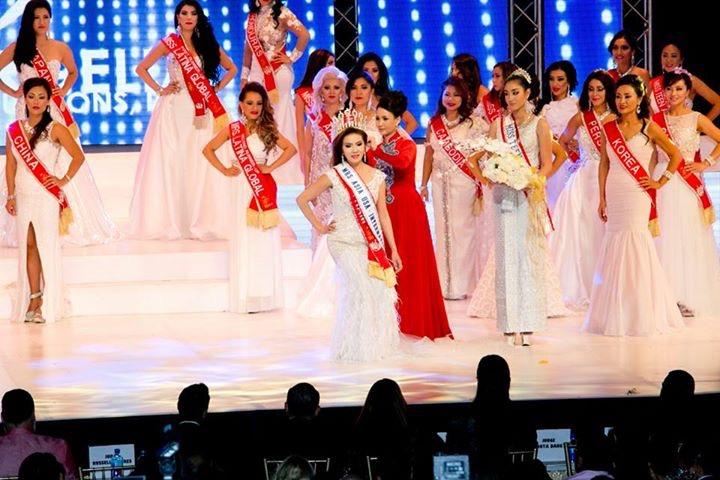 Hoa hậu Quý bà Sương Đặng xinh đẹp giữa dàn giám khảo nước ngoài 4