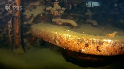 Cận cảnh chiến hạm USS Arizona bị Nhật đánh chìm trong trận Trân Châu Cảng 2