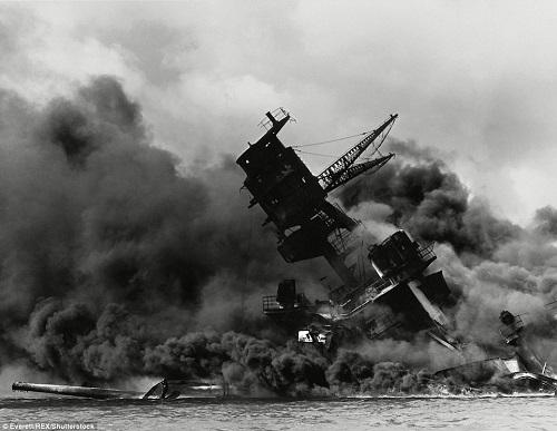 Cận cảnh chiến hạm USS Arizona bị Nhật đánh chìm trong trận Trân Châu Cảng 4