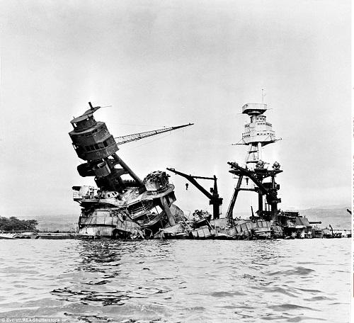 Cận cảnh chiến hạm USS Arizona bị Nhật đánh chìm trong trận Trân Châu Cảng